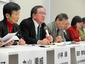 NHK経営委への要望書提出後に会見する有識者ら=10月31日、東京・永田町