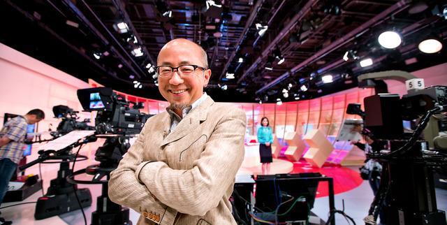 NHKの「クローズアップ現代+」に出演する直前。メディアのコメンテーターとしても引っ張りだこだ=東京都渋谷区