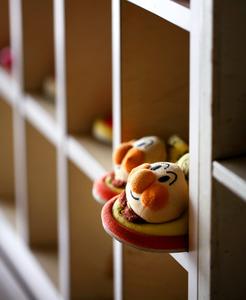 児童相談所に置かれた子ども用のスリッパ