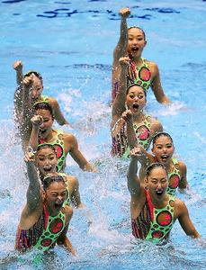 チームTRで優勝した日本の演技=西畑志朗撮影