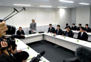 北陸新幹線の与党検討委員会は、沿線自治体からの聞き取りを始めた=22日、東京・永田町