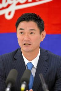 中日・岩瀬、現状維持でサイン 42歳、来季球界最年長