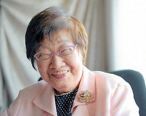 佐々木静子さん。90歳を迎えてなお現役の弁護士だ=大阪市北区、竹花徹朗撮影
