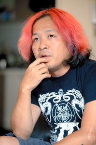 高橋ヨシキさん