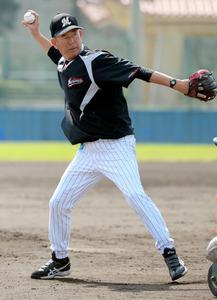 70歳の打撃投手が引退 最高齢でも腹筋100回×5
