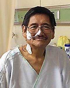 東京都の病院で膵臓がんの手術を受ける直前の服部重次さん=2015年1月13日、家族提供