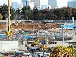 本体工事に着工した新国立競技場の予定地=2日午後、東京都新宿区、嶋田達也撮影