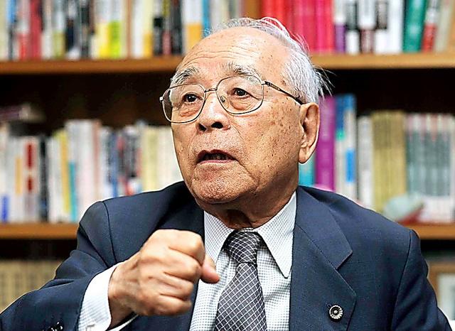戦中はチッソ水俣工場に学徒動員されて空襲に遭ったが、九死に一生を得た=2011年、熊本市