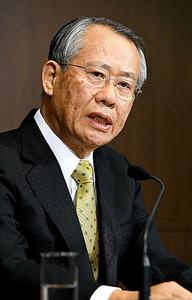 NHKの次期会長に決まり、会見に臨む上田良一氏=6日、北村玲奈撮影