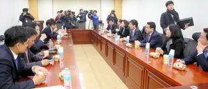 7日朝、ソウルの国会議員会館で開かれたセヌリ党「非朴派」の会合=東亜日報提供
