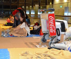 北海道各地で大雪 新千歳は252便欠航、宿泊用に毛布