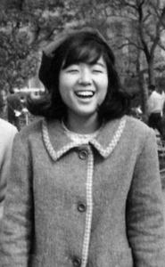 ケネディ暗殺、東京五輪、ビートルズ来日……。大学時代の落合恵子さんはサリンジャー「ライ麦畑でつかまえて」に夢中だった=本人提供