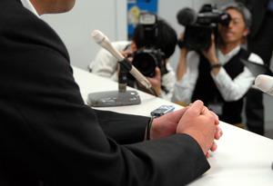 判決後、会見で「一つの区切りになった」と話す滝畠正義さん=大阪市北区