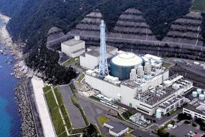 高速増殖原型炉「もんじゅ」=9月17日、福井県敦賀市、朝日新聞社ヘリから、豊間根功智撮影