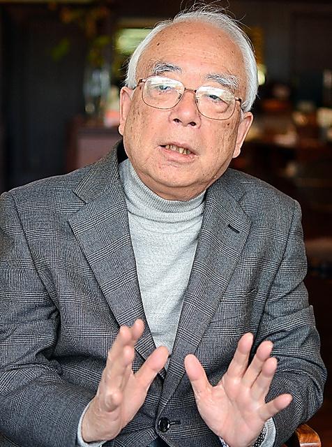 横田耕一氏