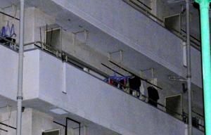 長女が暴行を受けたとされる市営住宅=10日午後6時54分、大阪市住之江区、辻村周次郎撮影