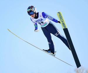W杯で初優勝した伊藤有希の1回目のジャンプ=白井伸洋撮影