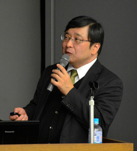 講演する西村明儒・徳島大大学院教授=県立防災センター