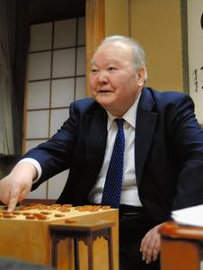 加藤一二三九段が史上最年長勝利「残る対局を頑張る」