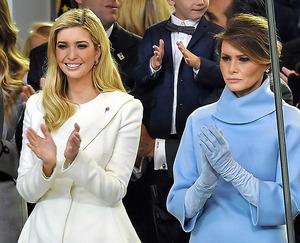 イバンカ氏(左)とメラニア夫人=AFP時事