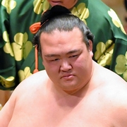 稀勢の里、横綱昇進が確実 日本出身力士19年ぶり
