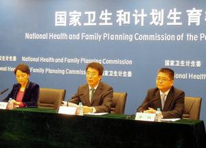 中国の出生数、前年比8%増加