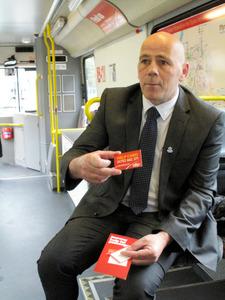 認知症に優しい街へ 英国300地域で支援、組織化