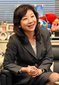 自民党の野田聖子元総務会長=2016年10月撮影