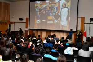 南極の昭和基地と衛星回線を結んで開かれた記念イベント=29日午後、東京都立川市、金居達朗撮影