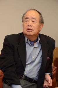 インタビューに答えるKADOKAWAの角川歴彦会長=東京都千代田区の同社