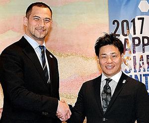 清水さん(右)と室伏さん