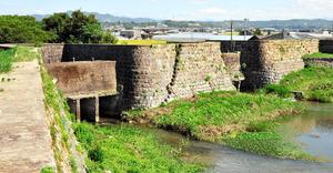 国の重要文化財に指定された旧玉名干拓堤防=玉名市、菊池川流域日本遺産認定推進協議会提供