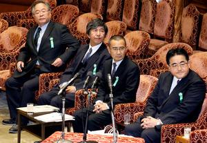 衆院予算委公聴会に公述人として出席した、日本国際ボランティアセンターの今井高樹氏(右から2人目)=21日午前9時、岩下毅撮影
