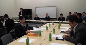 超党派の「受動喫煙防止法を実現する議員連盟」が集会を開いた=22日、東京・永田町