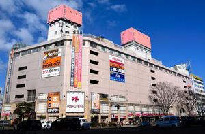 運営会社が破産して閉店した「さくら野百貨店仙台店」=27日午後、仙台市青葉区