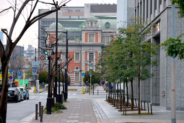 三休橋筋から望む大阪市中央公会堂=大阪市中央区