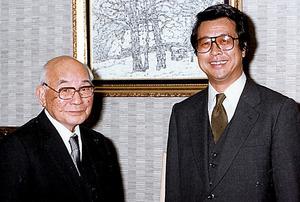 土光敏夫さん(左)が率いた「土光臨調」では、部会のとりまとめに奔走した=1981年