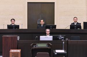 神戸女児殺害事件の控訴審判決が言い渡された大阪高裁の法廷。中央は樋口裕晃裁判長=10日午前10時59分、大阪市北区、代表撮影