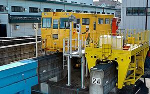 ディーゼルエンジンで馬力がある工作車K―3=東京都立川市泉町