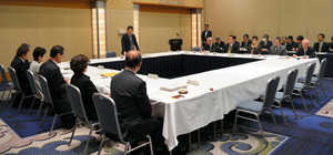 「広く意見を聴く委員会」の3回目の会合=佐賀市