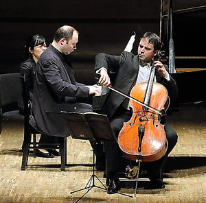 ジャンギアン・ケラス&アレクサンドル・メルニコフ=日置真光氏撮影、静岡音楽館AOI提供