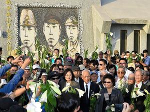 台湾・高雄市で開かれた台湾人日本兵らを追悼する式典。蔡英文総統が初めて参列した=2016年11月5日、「自由時報」提供