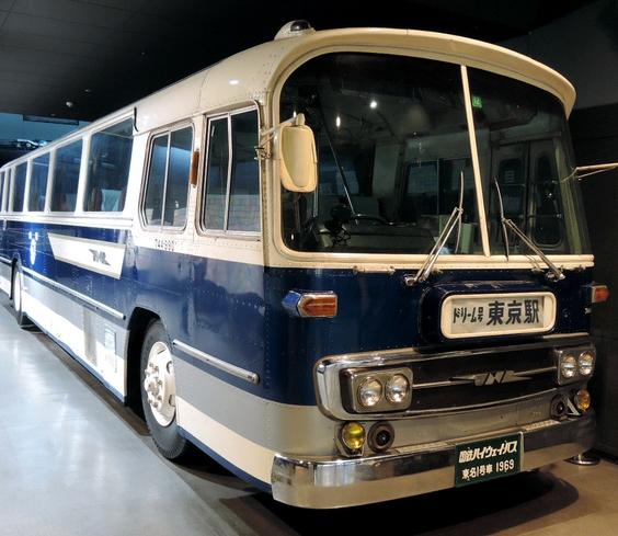 東京―大阪間の初代夜行バスを展示 京都鉄道博物館