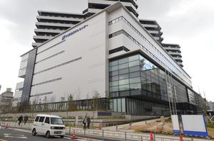 大阪国際がんセンター=3日、大阪市中央区、筋野健太撮影
