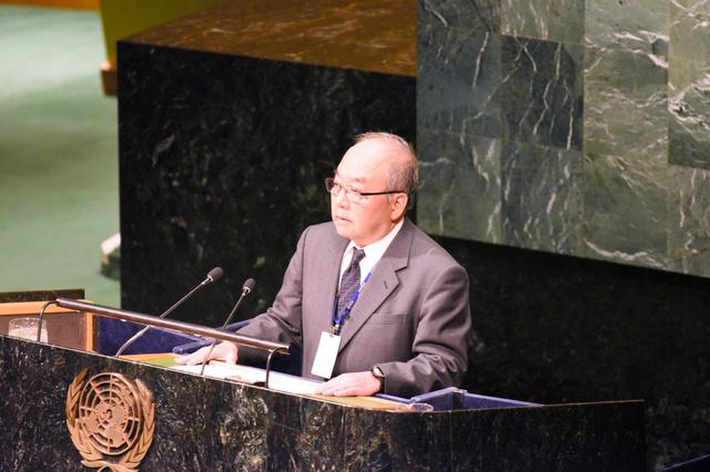 国連総会議場で始まった核兵器禁止条約の交渉で被爆者として演説する日本原水爆被害者団体協議会の藤森俊希・事務局次長=27日、米ニューヨーク、鵜飼啓撮影