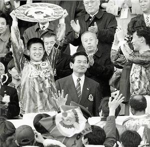 Jリーグ初代王者はヴェルディ川崎。VゴールやPK戦導入で完全決着方式だった。「点が入らないサッカーは面白くないと言われた。2点とったら勝ち点1なんてことも考えたんだよ」