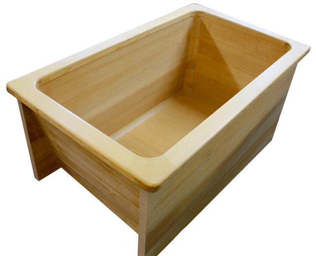 むつ市が返礼品に採用している「青森ひば浴槽」=むつ市提供