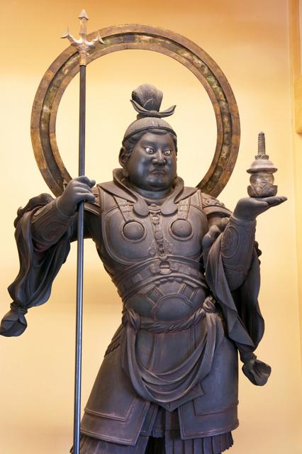毘沙門天立像(国宝)=願成就院蔵