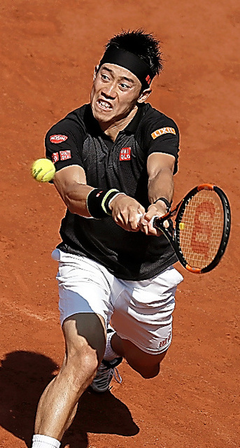 昨年の全仏オープン2回戦でアンドレイ・クズネツォフ(ロシア)を破った錦織=ロイター