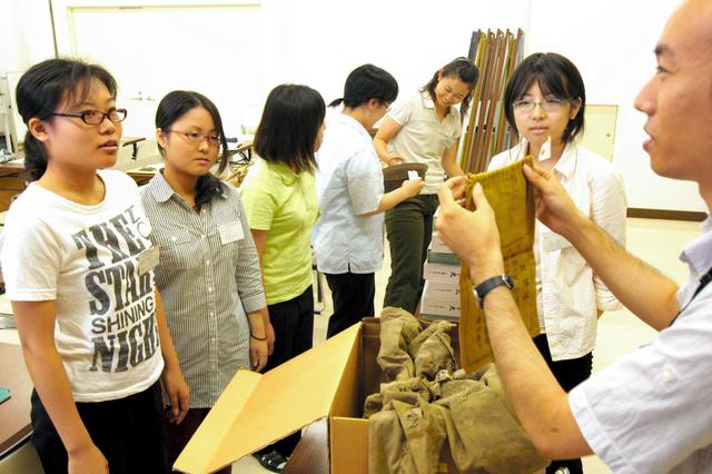 熊本博物館で行われた博物館実習。後継者を育てるのも重要な仕事だ